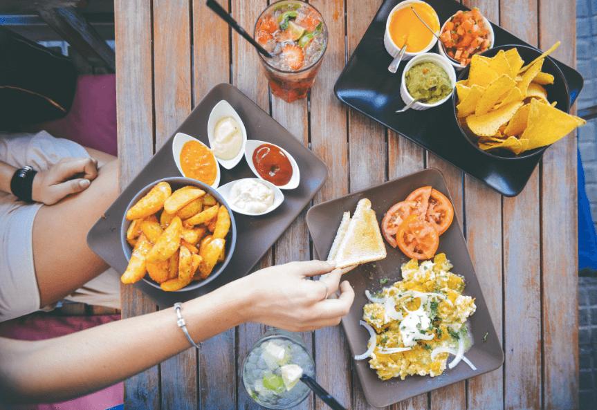 self-management skills: food salad restaurant person